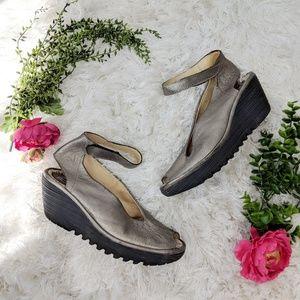 FLY LONDON Yala Pewter leather wedge sandal size 9